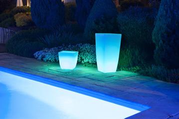 Jardinière et vase décoration lumineuse extérieure