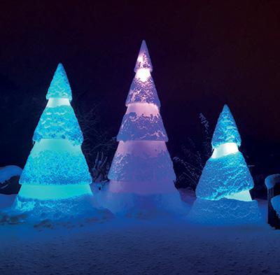 Sapins lumineux Décoration extérieur sous la neige
